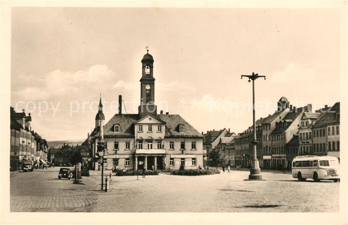 AK / Ansichtskarte Rochlitz Sachsen Platz der Befreiung mit Rathaus Kat. Rochlitz
