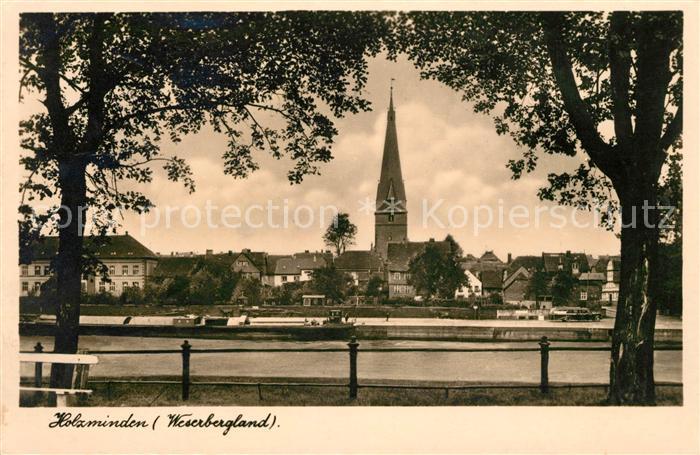 AK / Ansichtskarte Holzminden Weser Blick ueber die Weser auf die Kirche Kat. Holzminden