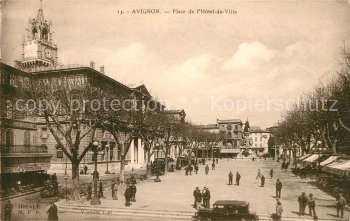 AK / Ansichtskarte Avignon Vaucluse Place de l Hotel de Ville Monument Kat. Avignon