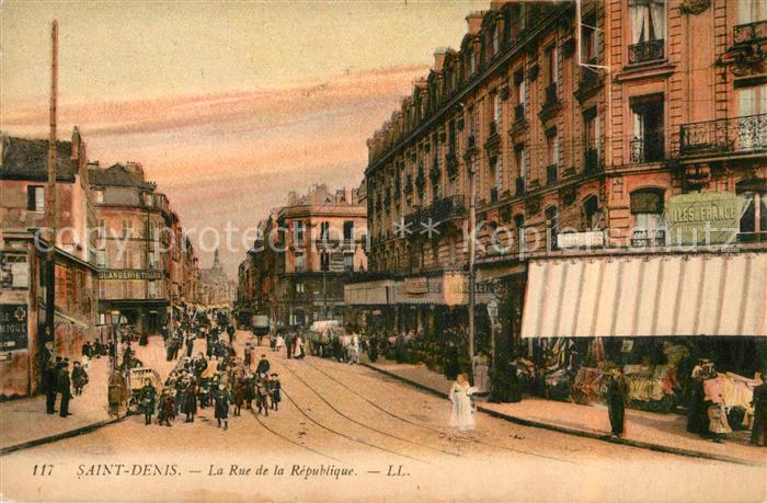 AK / Ansichtskarte Saint Denis Chef Caux Rue de la Republique