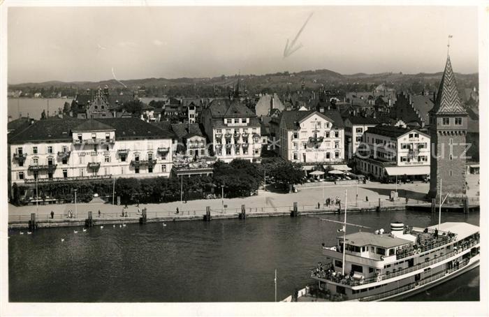 AK / Ansichtskarte Lindau Bodensee Blick auf Stadt und Hafenpromenade Kat. Lindau (Bodensee)