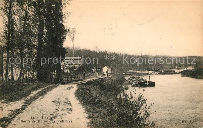 AK / Ansichtskarte Lagny Ufer Schiff Kat. Lagny