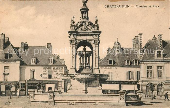 AK / Ansichtskarte Chateaudun Fontaine et Place Kat. Chateaudun
