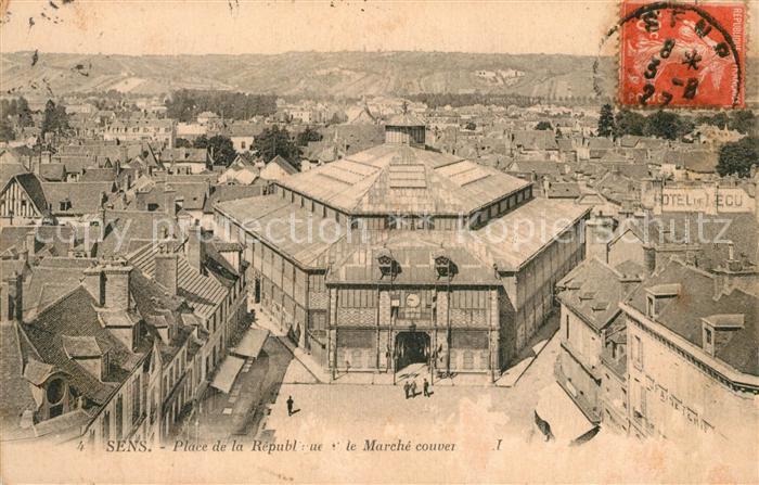 AK / Ansichtskarte Sens Yonne Place de la Republique et le Marche couver