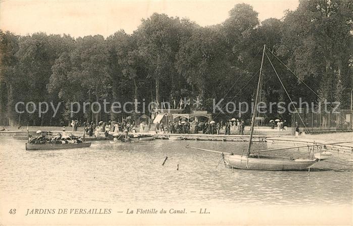 AK / Ansichtskarte Versailles Yvelines La Flottille du Canal au Jardins de Versailles Kat. Versailles