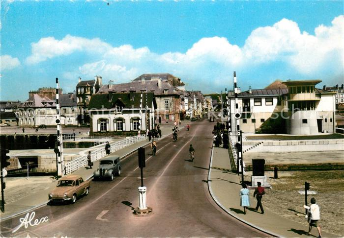 AK / Ansichtskarte Cherbourg Octeville Basse Normandie Pont tourant Rue du Val de Saire Kat. Cherbourg Octeville