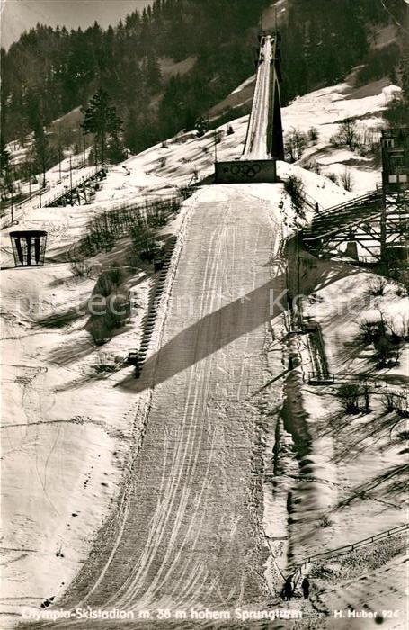 AK / Ansichtskarte Garmisch Partenkirchen Olympia Skistadion mit Sprungturm Kat. Garmisch Partenkirchen