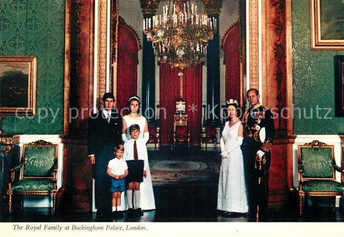 AK / Ansichtskarte Adel England Royal Family Buckingham Palace  Kat. Koenigshaeuser
