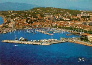 AK / Ansichtskarte Cannes Alpes Maritimes Vue aerienne Le vieux Port Le Suquet Kat. Cannes