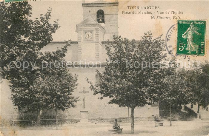 AK / Ansichtskarte La Tour d Aigues Place du Marche Kat. La Tour d Aigues