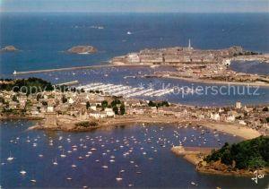AK / Ansichtskarte Saint Servan sur Mer Vue aerienne sur la tour Solidor Port de plaisance Cite corsaire