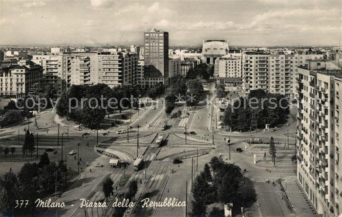 AK / Ansichtskarte Milano Piazza della Repubblica Kat. Italien