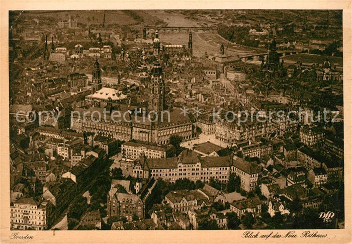 AK / Ansichtskarte Dresden Fliegeraufnahme Neues Rathaus Kat. Dresden Elbe