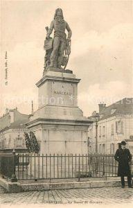 AK / Ansichtskarte Chartres Eure et Loir Statue de Marceau Kat. Chartres