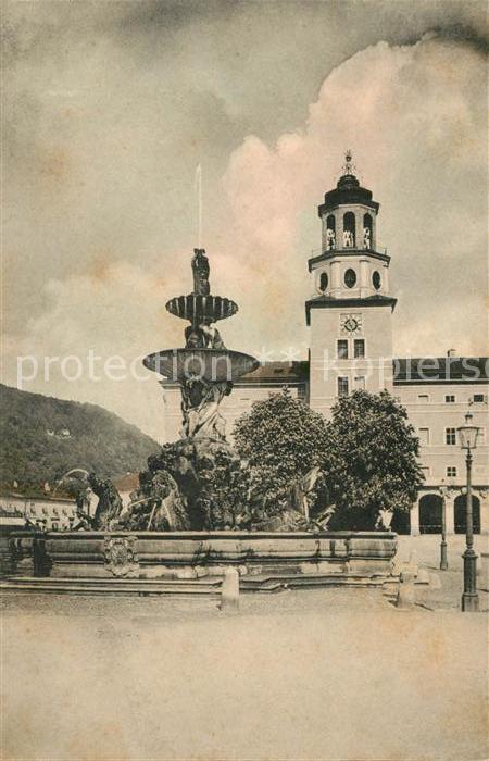 AK / Ansichtskarte Salzburg Oesterreich Glockenspiel und Residenzbrunnen Kat. Salzburg