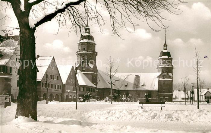 AK / Ansichtskarte Freudenstadt Marktplatz mit ev Stadtkirche im Winter Kurort im Schwarzwald Kat. Freudenstadt