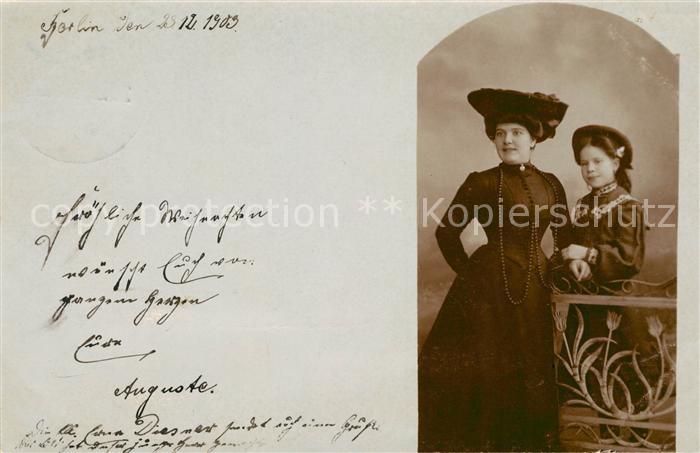 AK / Ansichtskarte Hutmode Mutter und Tochter  Kat. Mode