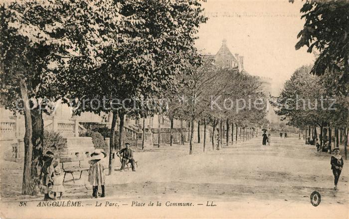 AK / Ansichtskarte Angouleme Parc Place de la Commune Kat. Angouleme