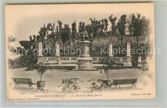 AK / Ansichtskarte Clermont Ferrand Puy de Dome La Statue de Blaise Pascal Kat. Clermont Ferrand