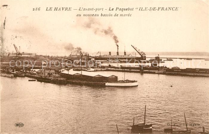 AK / Ansichtskarte Le Havre Avant port Le Paquebot Ile de France au nouveau bassin de maree Kat. Le Havre