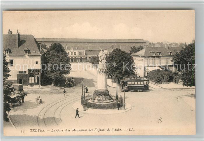 AK / Ansichtskarte Troyes Aube Le Gare et le Monument des Enfants de l Aube Kat. Troyes