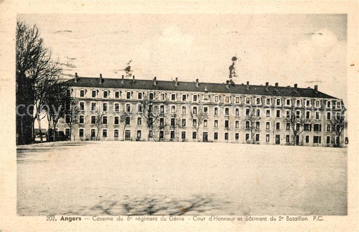 AK / Ansichtskarte Angers Caserne du 6e regiment du Genie Cour d'Honneur et Batiment du 2e Bataillon Kat. Angers