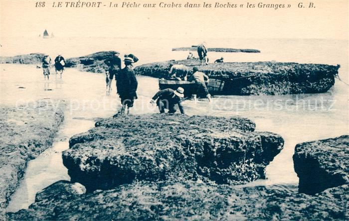 AK / Ansichtskarte Le Treport La Peche aux Crabes dans les Roches les Granges Kat. Le Treport