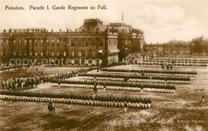 AK / Ansichtskarte Potsdam Parade 1. Garde Regiment zu Fuss Kat. Potsdam