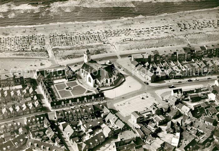 AK / Ansichtskarte Katwijk aan Zee Fliegeraufnahme Oude Kerk Plage Centrum Kat. Katwijk