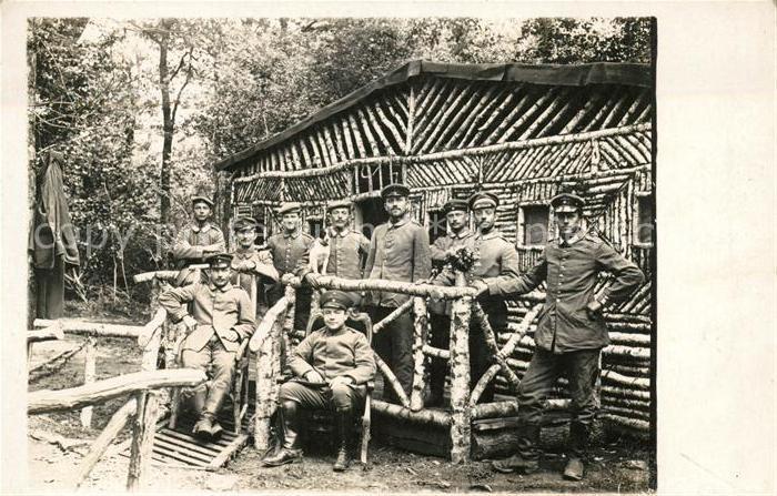 AK / Ansichtskarte Rouvray d Auxerre Soldaten an einer Waldhuette Kat. Rouvray