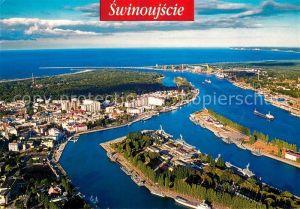 AK / Ansichtskarte Swinoujscie Swinemuende Fliegeraufnahme Hafen Muendung