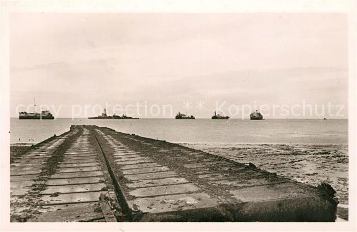 AK / Ansichtskarte Courseulles sur Mer Plages de Debarquement Bateaux Juno Beach Kat. Courseulles sur Mer
