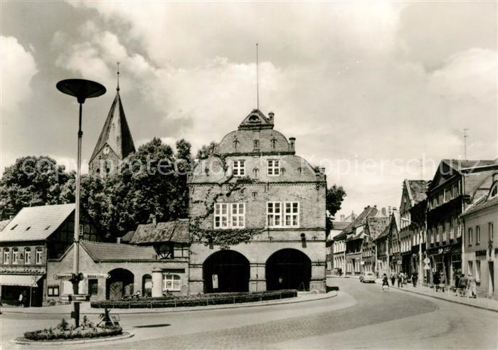 AK / Ansichtskarte Gadebusch Rathaus in Ernst Thaelmann Strasse Kat. Gadebusch