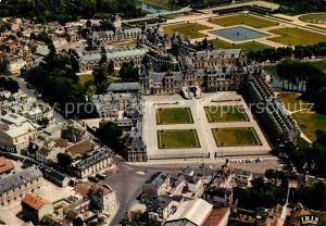 AK / Ansichtskarte Fontainebleau Seine et Marne Fliegeraufnahme Palais Kat. Fontainebleau