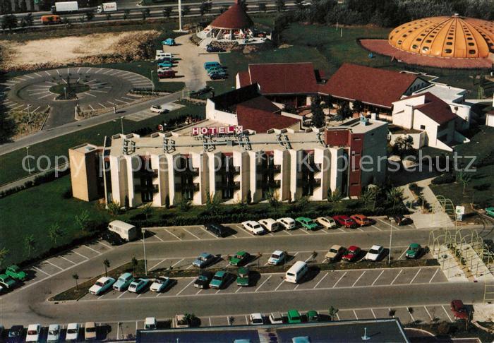 AK / Ansichtskarte Saint Ouen l Aumone Fliegeraufnahme Hotel Restaurants les 3 Caravelles Kat. Saint Ouen l Aumone