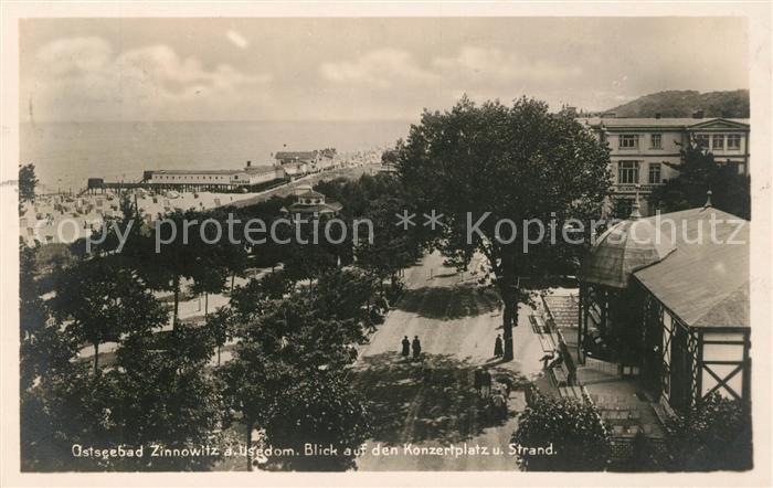 AK / Ansichtskarte Zinnowitz Ostseebad Blick auf Konzertplatz und Strand Seebruecke