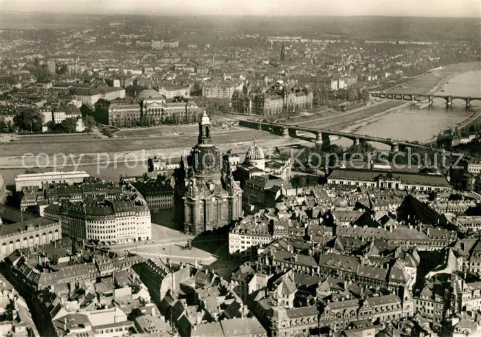AK / Ansichtskarte Dresden Fliegeraufnahme mit Neumarkt und Frauenkirche Kat. Dresden Elbe