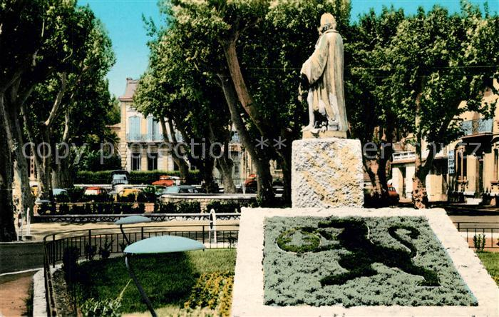 AK / Ansichtskarte Salon de Provence Statue Nostradamus Kat. Salon de Provence