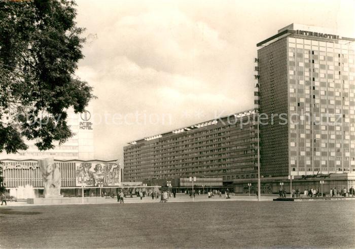 AK / Ansichtskarte Dresden Prager Strasse Lenin Denkmal Vertragshotel Bastei und Hotel Newa Kat. Dresden Elbe