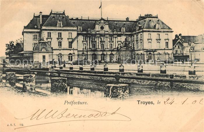 AK / Ansichtskarte Troyes Aube Prefecture Kat. Troyes