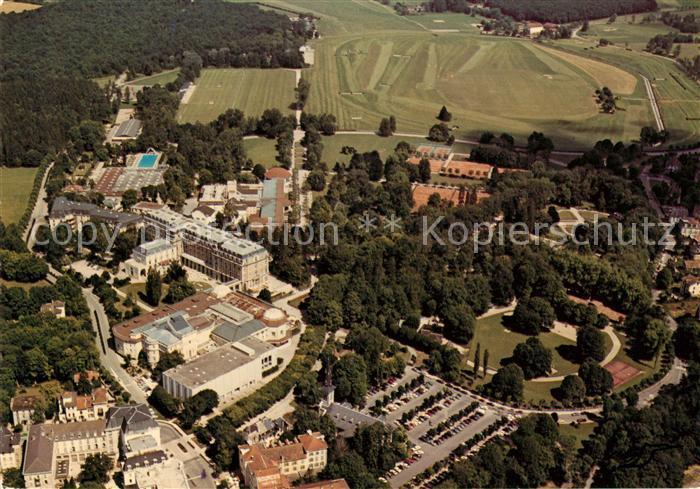 AK / Ansichtskarte Vittel Vue generale aerienne Grand Hotel Casino Palais des Congres Kat. Vittel
