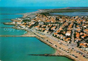 AK / Ansichtskarte Les Saintes Maries de la Mer Fliegeraufnahme