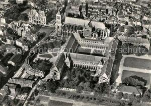 AK / Ansichtskarte Saint Denis Seine Saint Denis Fliegeraufnahme Basilika