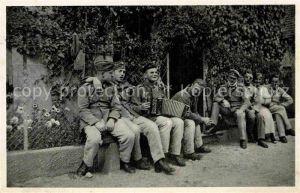 AK / Ansichtskarte Militaria Wehrmacht Soldatenleben Harmonika Ulm IR56  Kat. WK2