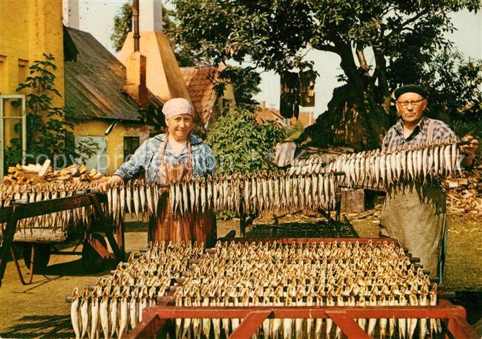 AK / Ansichtskarte Fische Bornholm Heringe zum Trocknen  Kat. Tiere