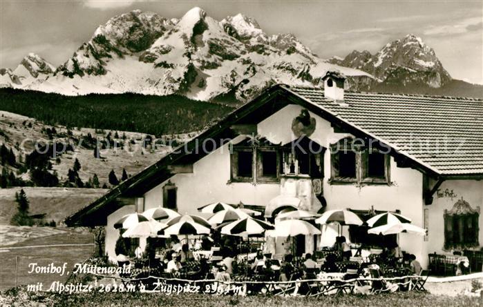 AK / Ansichtskarte Mittenwald Bayern Tonihof mit Alp und Zugspitze Kat. Mittenwald