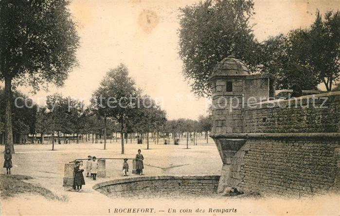 AK / Ansichtskarte Rochefort sur Mer Un coin des Remparts Kat. Rochefort Charente Maritime