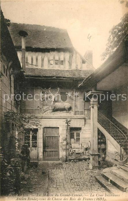 AK / Ansichtskarte Reux Calvados Maison du Grand Veneur Cour ...