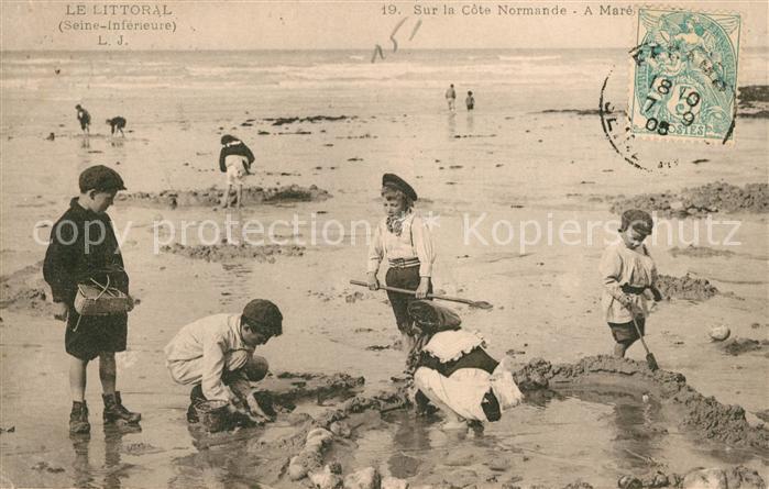 AK / Ansichtskarte Normandie Region Des enfants a la plage Kat. Rouen