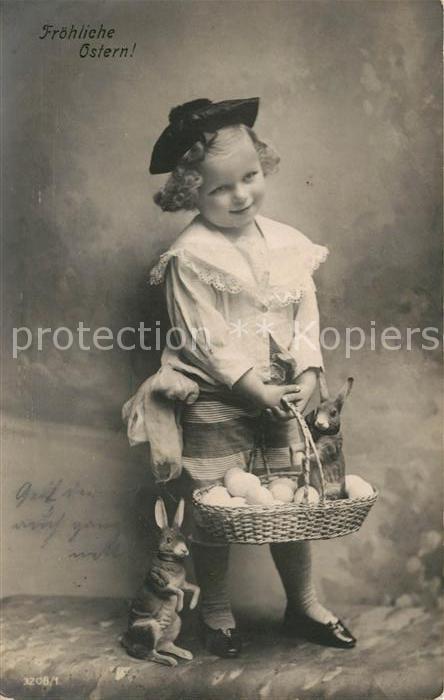 AK / Ansichtskarte Ostern Easter Paques Kind Hasen Eier  Kat. Greetings